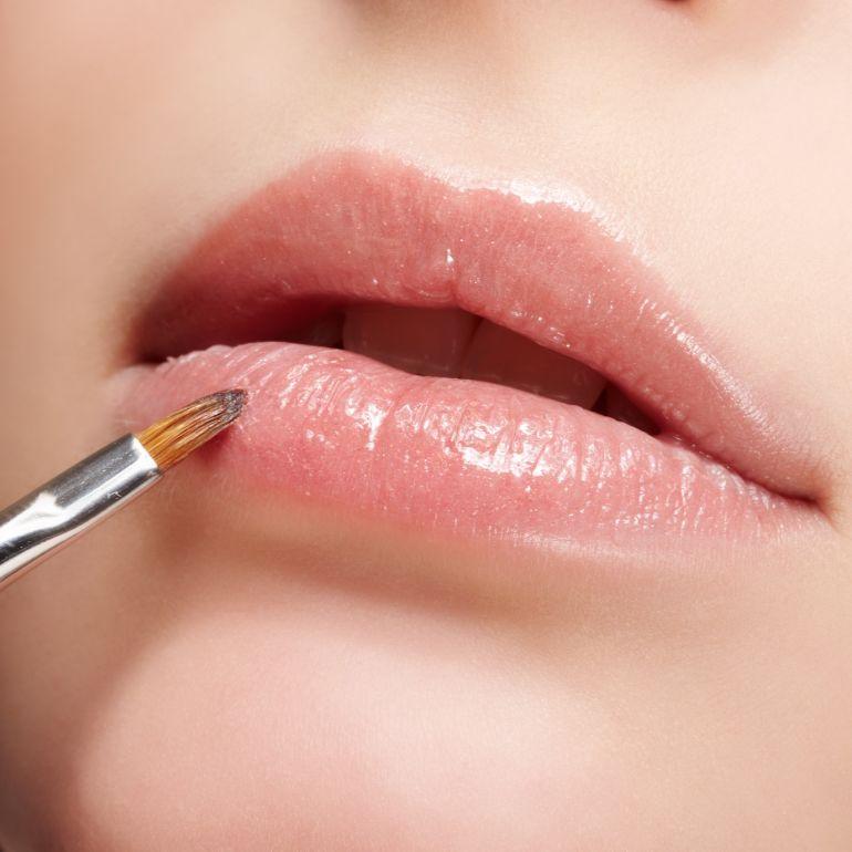 Make up labbra, il correttore