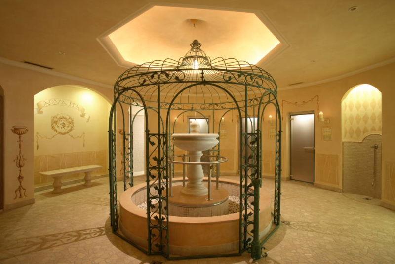 Aqua spa al grand hotel fasano il lusso naturale for Acqua aveda salon