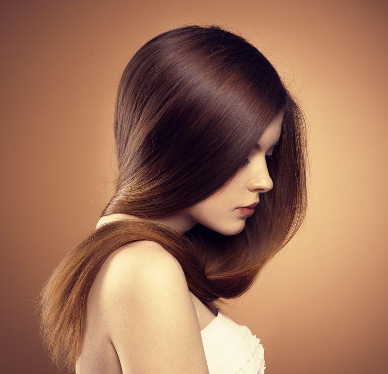 Cosmetici per trattamento di capelli unti