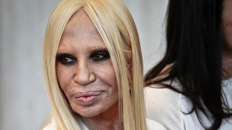 La top 10 dei beauty horror cipria magazine for Biografia de donatella versace
