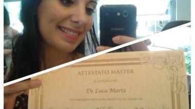 Marta con diploma trucco