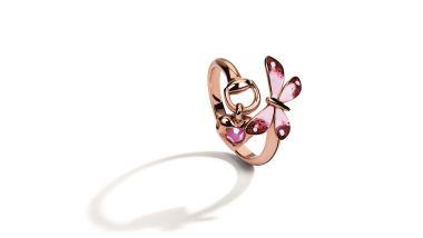 Gucci_Anello Flora in oro rosa 18 carati con smalto e rubino