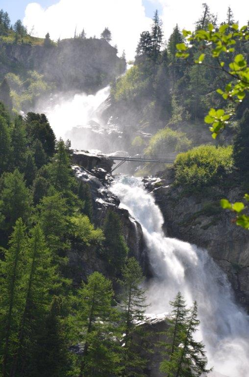 cascate-rutorine_il-nuovo-ponte_la-thuile-valle-daosta_credit-guida-alpina-giuseppe-alliod-2