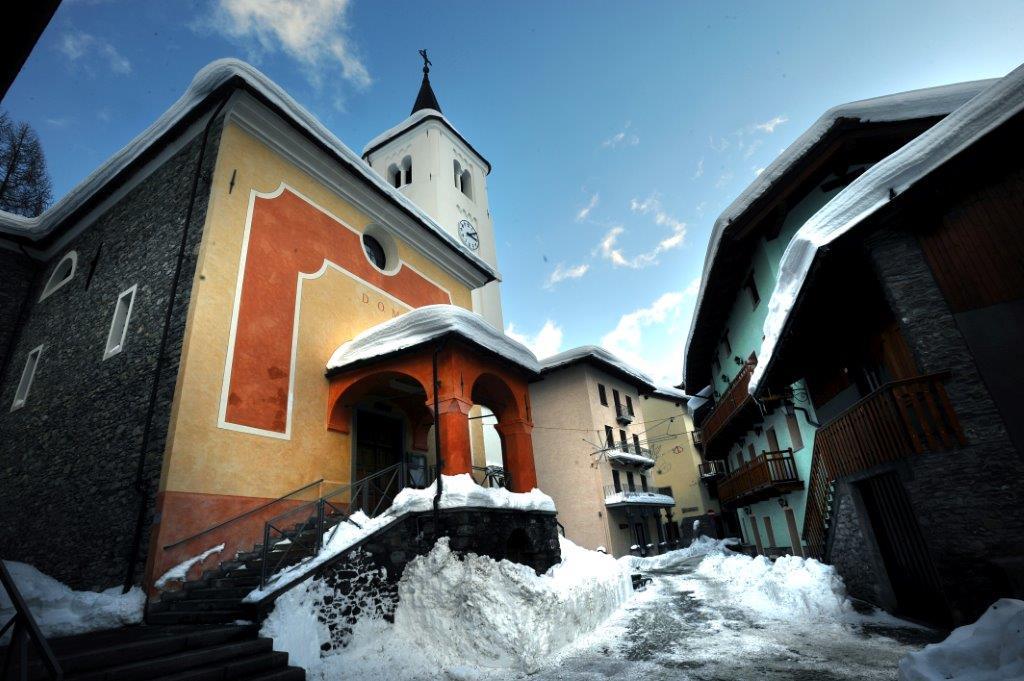chiesa-di-san-nicola_la-thuile-valle-daosta
