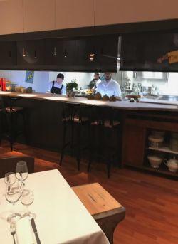 bancone_con_vista_cucina