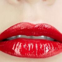 Come truccare labbra sottili